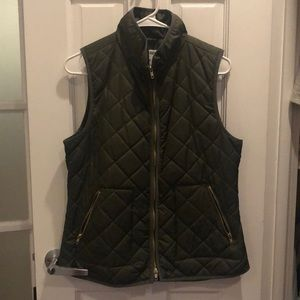 Old Navy Olive Quilted Vest in size Medium